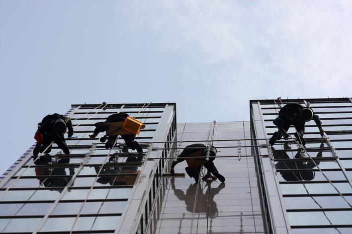 building-window-washing